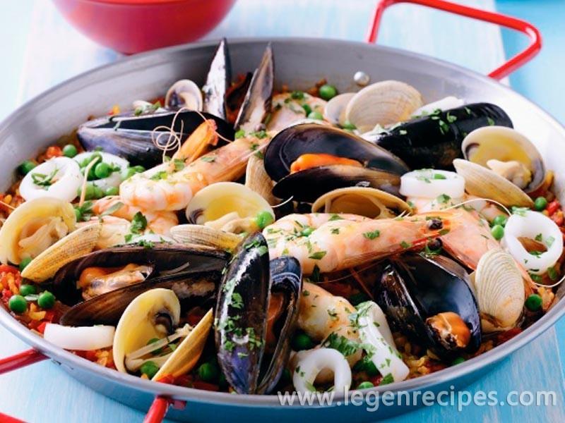 Seafood paella - Legendary Recipes